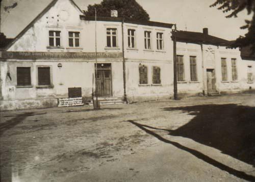 Vorderansicht - ehemals Gasthaus Brüning, später BHG
